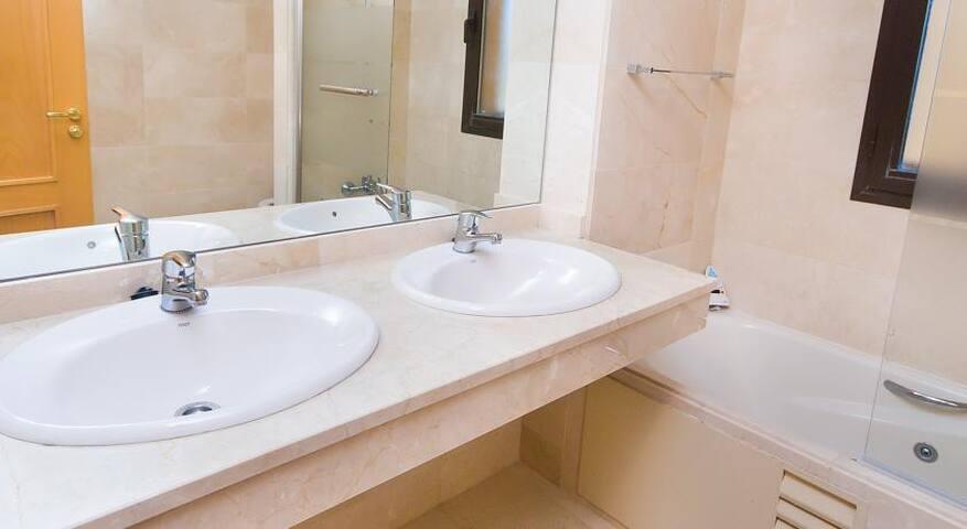 Квартира с 3 спальнями на море - Gualdalmansa - Διαμέρισμα