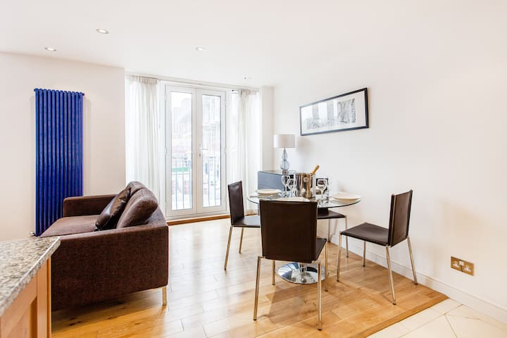 Large Flat Minutes to London Eye! - Londen - Appartement