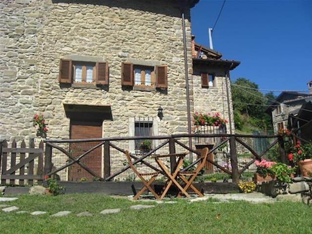 Villetta con giardino a Raggiolo - Raggiolo - Villa
