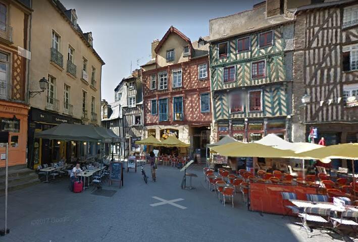 Place Sainte Anne, centre historique, hypercentre