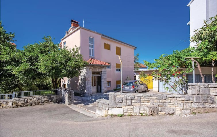 Holiday apartment with 2 bedrooms on 82m² in Crikvenica