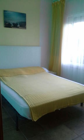 ROOMS IN HOUSE, 1-5 persons - Pineda de Mar - Casa