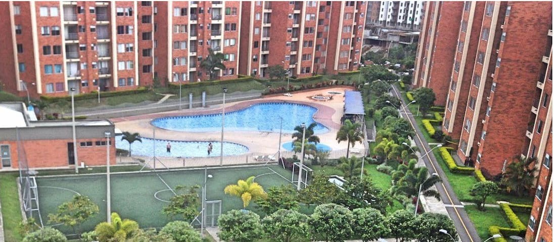 Apartment fully furnished, WiFi, pool, parking - Pereira - Daire