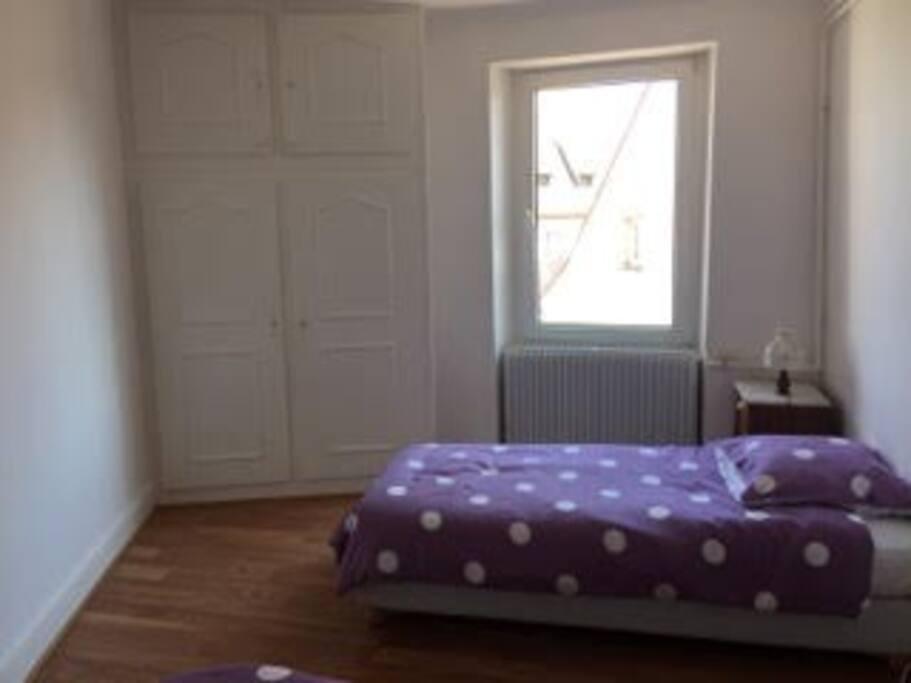 La chambre n°2 avec 2 lits de 90x190