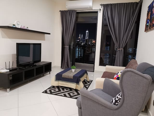 2Bedroom Homestay Linked to MRT with KL City View