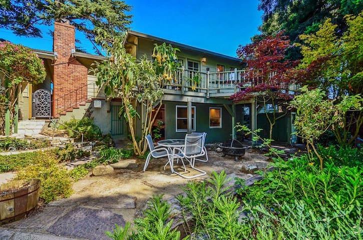 Buena Vista Suite Garden Sanctuary - Santa Cruz - Gjestehus