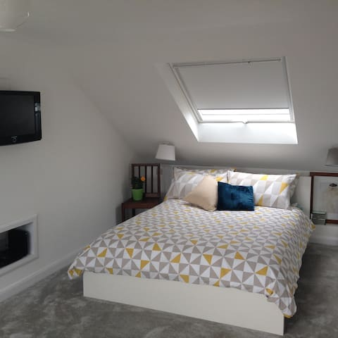 Bright newly built loft conversion