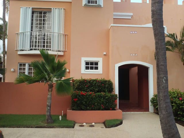 Beautiful 2 bdrm villa in PALMAS !! - Humacao