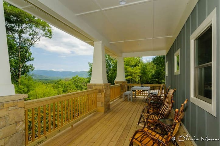 Convenient to Everything! Private - Asheville - Casa