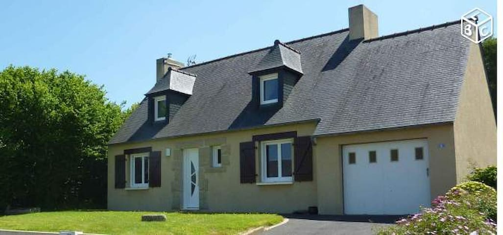 Maison dans quartier calme - Sainte-Sève - Haus