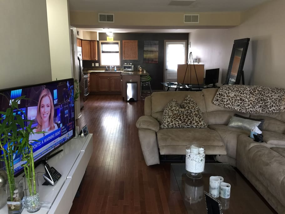 Comfortable Couch with Wifi and Cable Internet