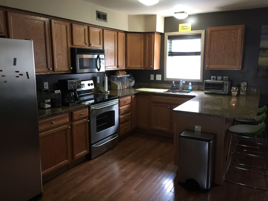 Fully upgraded Kitchen and Fully Equipped