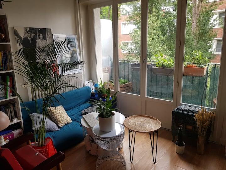 Appartement avec balcon au calme proche Paris