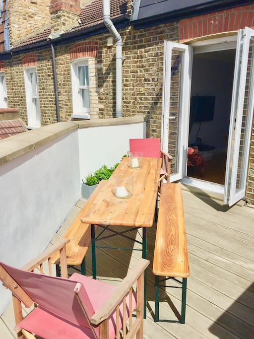 Private Roof Terrace with BBQ