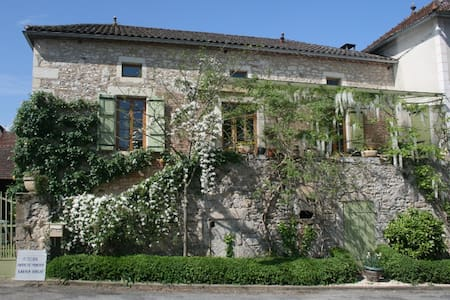 Chateau view&vineyards+art:double 2 - Anglars-Juillac - Bed & Breakfast