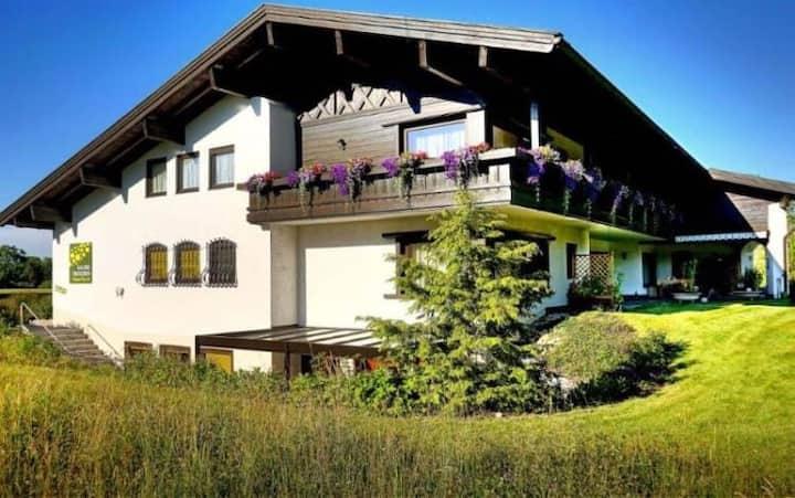 Wohnung Emilia | Bachblick Übersee