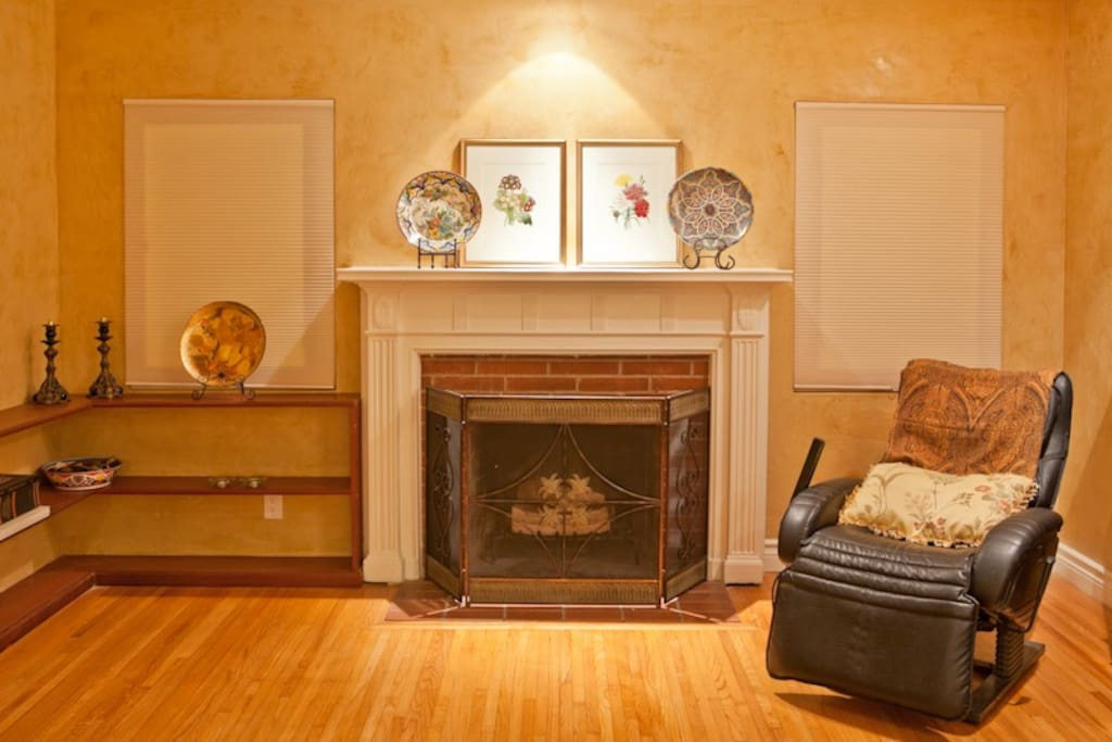 with fire place and massage chair
