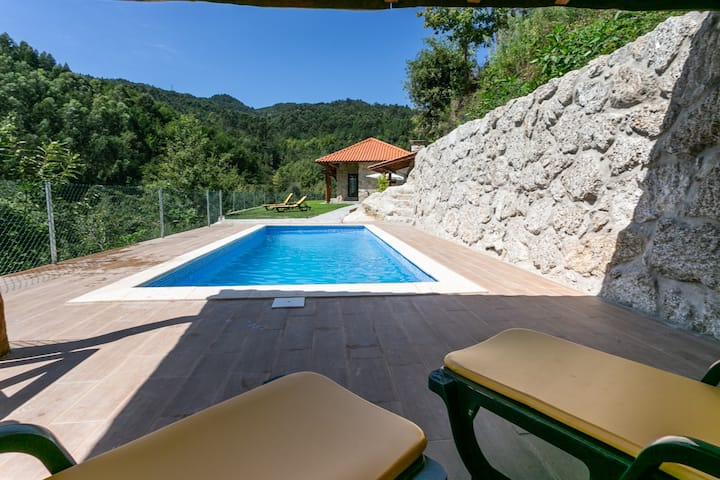 Country house with pool and garden in Gerês