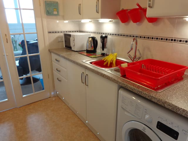 Cromer: cosy & comfy flat with sea & church views