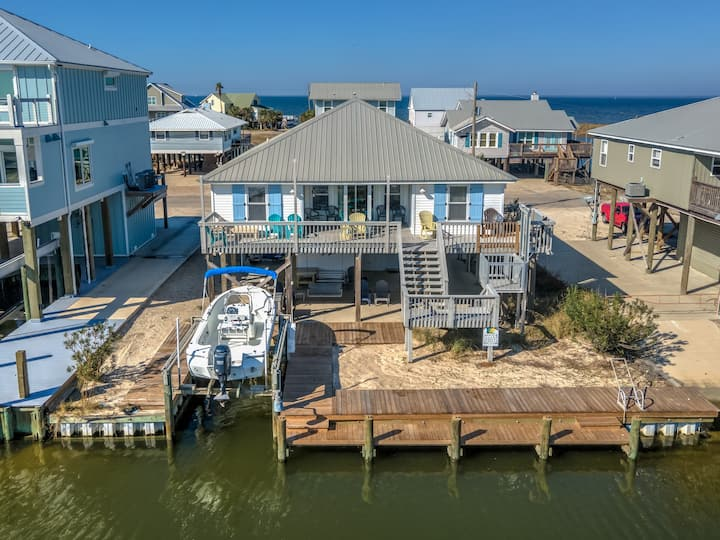 Water's Edge - Beautiful 4 Bedroom Home on the Boat Canal, with Partial Gulf and Bay Views, only 2 Blocks to either.