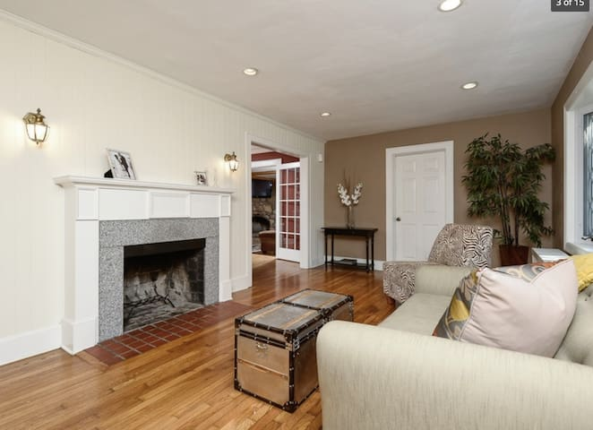 Charming detached house in Stamford - Stamford - House