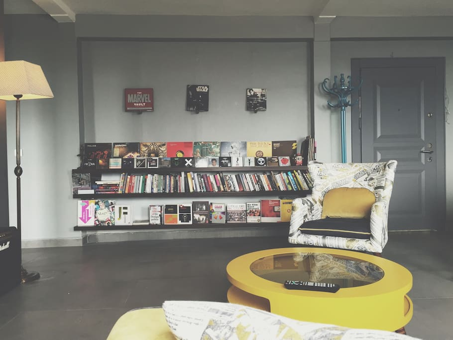 Awesome Interior, books, music cd's and vinyls
