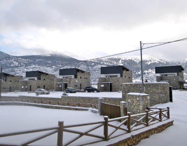 Exclusive Villa, Mountain/Lake View