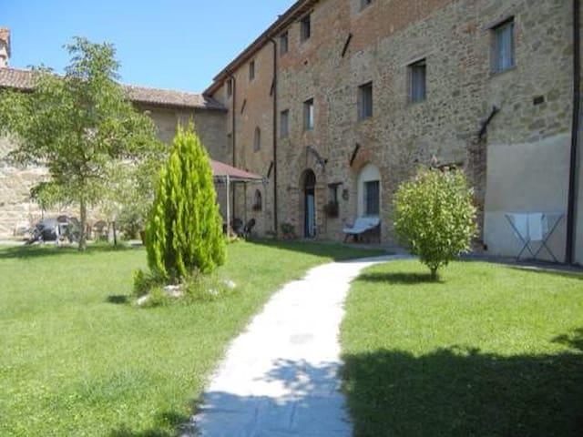 Grazioso appartamento in una Badia - Città di Castello - Huoneisto