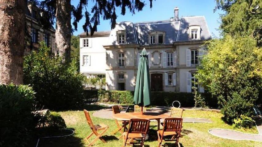 Duplex 61 m2 furnished upscale - La Bourboule - Byt