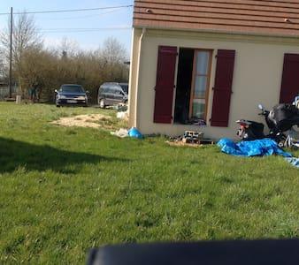 Maison neuve à la campagne - Montgérain
