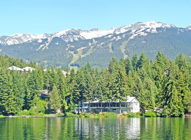 Alta Lake Blueberry Hill Private Lakefront Condo