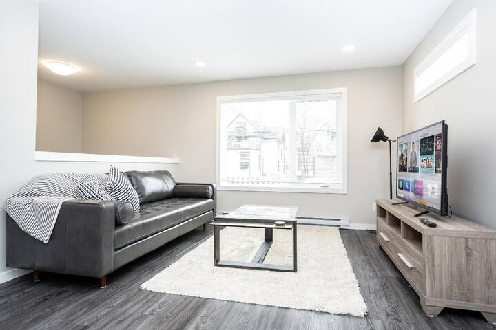 3 Bedroom in STR Complex-Close to Downtown & Airport