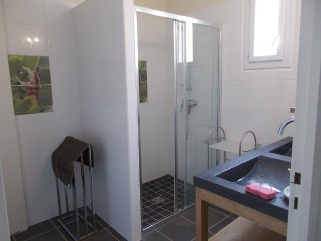 villa 120m² clim jardin garage 7km de valras plage - Vendres - House
