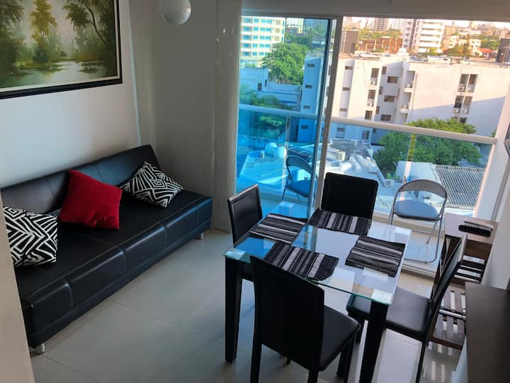 Beautiful 1 bedroom apt between top city malls⭐