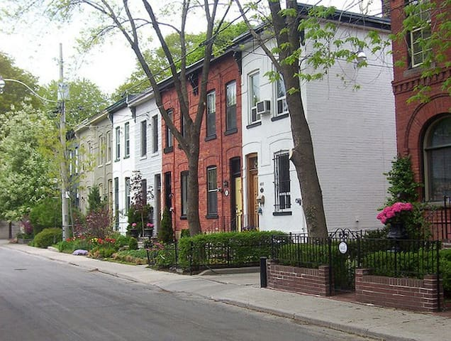 Downtown Toronto Cabbagetown house with Charm