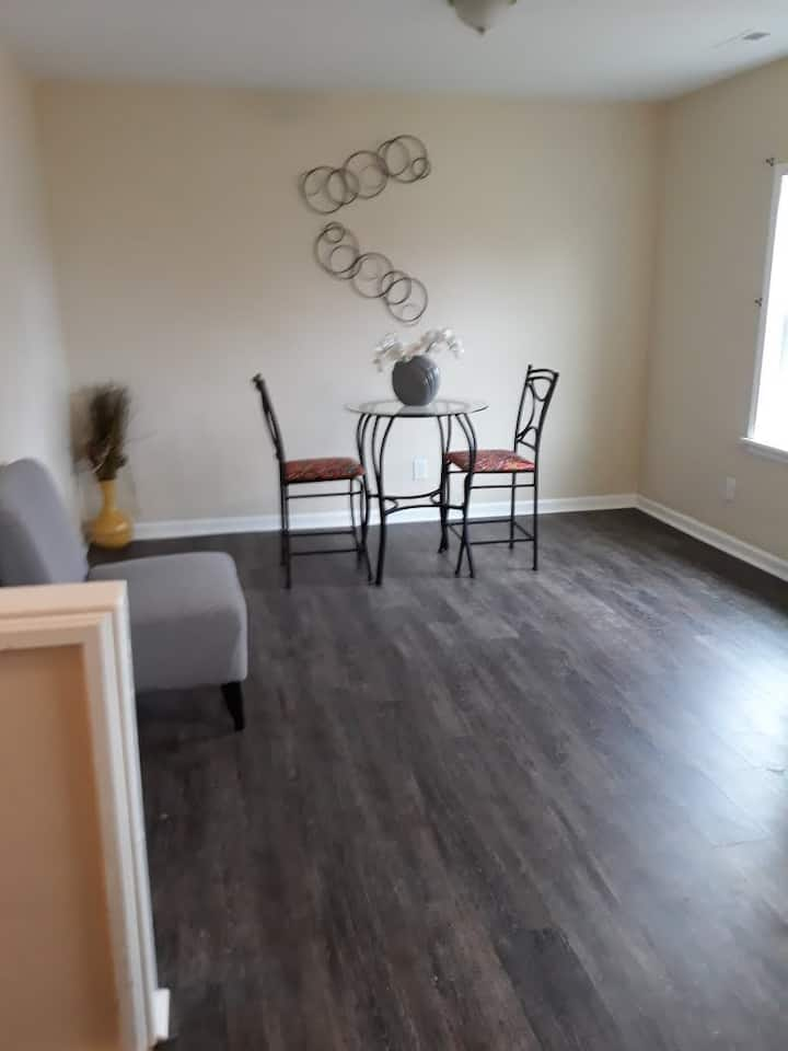 Conveniently located & relaxing apt. on 2nd floor
