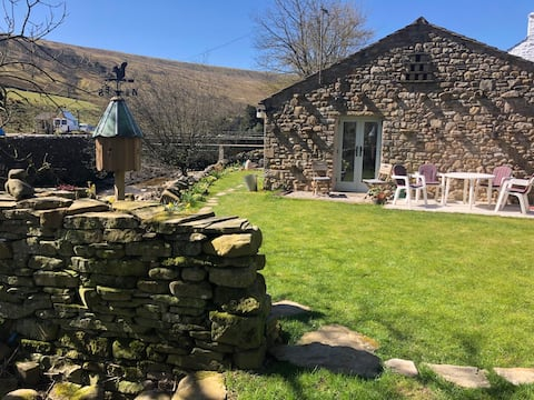 The Bees - Yorkshire Dales detached apartment
