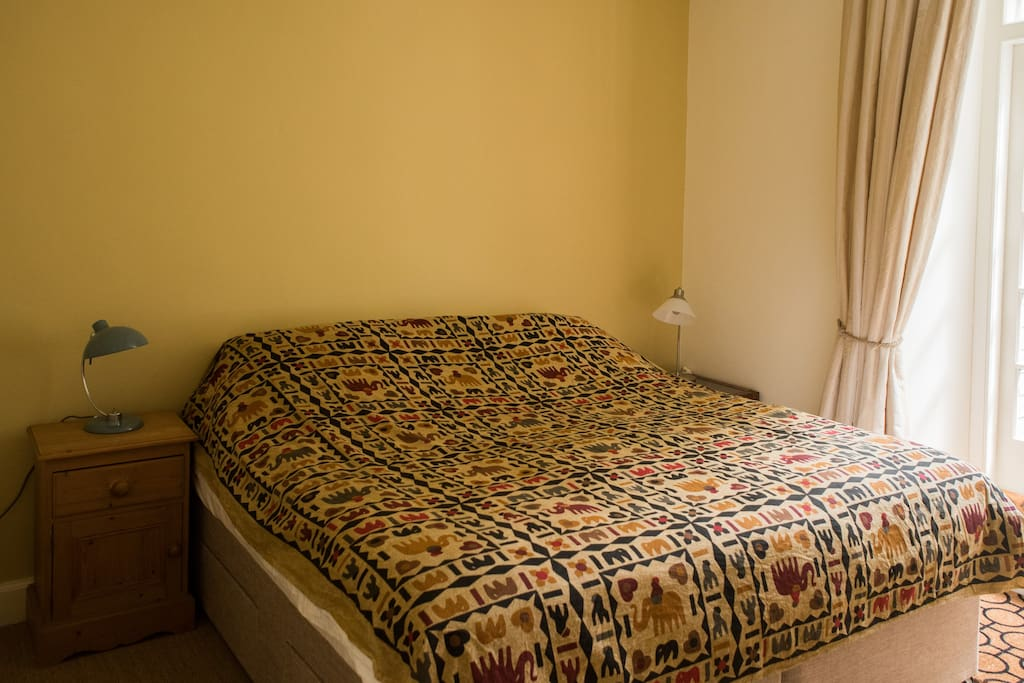 Bedroom with superking or twin