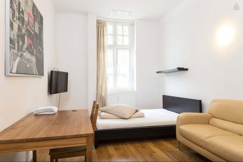 comfortable private room nr 1 flats for rent in berlin berlin germany. Black Bedroom Furniture Sets. Home Design Ideas