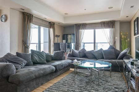 84th floor|Large|2BR|Tallest Tower - Dubai - Apartment
