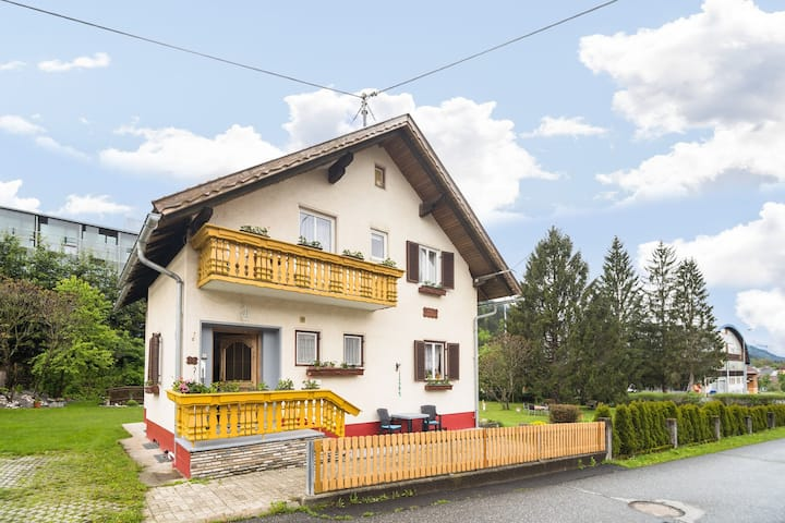 Apartment in Tröpolach with Swimming Pool, Garden, Balcony