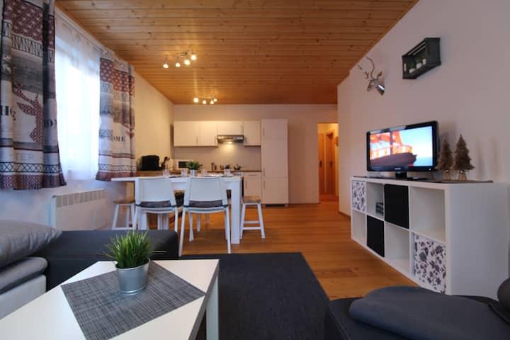 Ski-to-Door Apartment GRIASS EICH