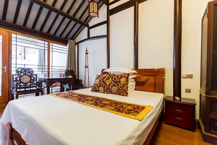 周庄景区内贞固弄客栈-沿河露台精品大床家庭套房 - Suzhou - Guesthouse