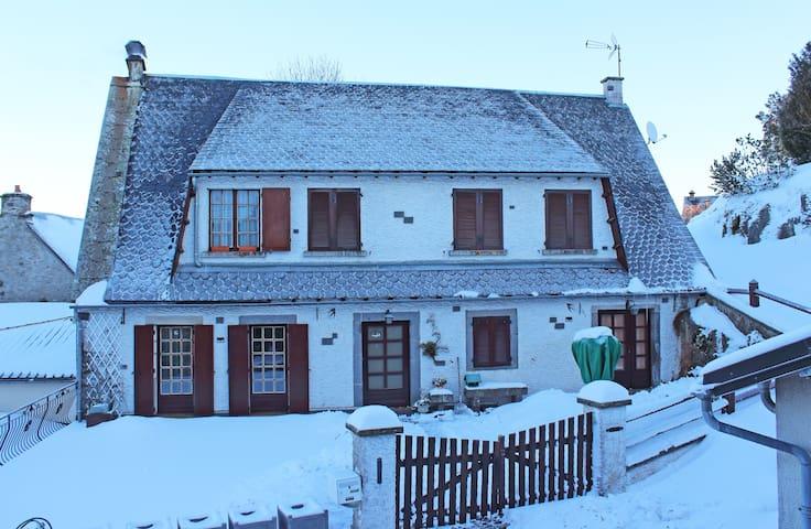 La Cascade - Saint-Gènes-Champespe - Pis
