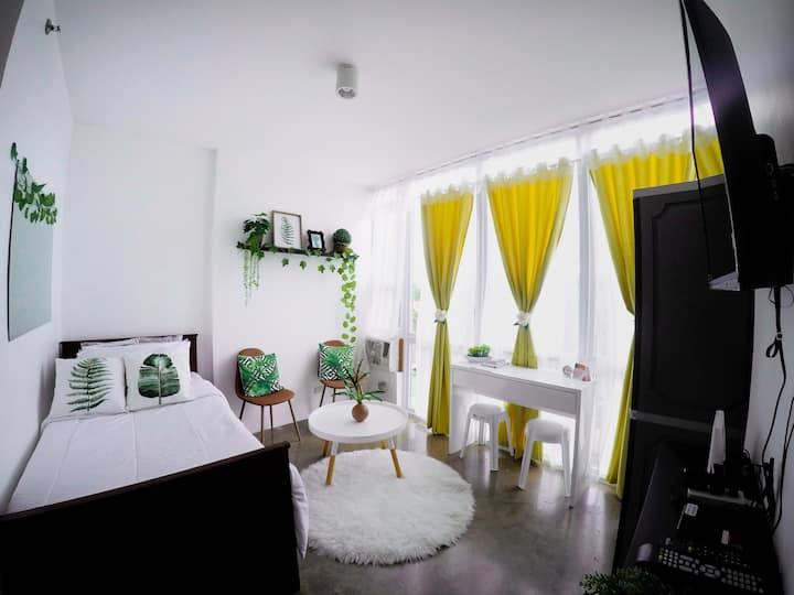 Stylish, Cozy, Affordble Studio Type Condo w/ WIFI