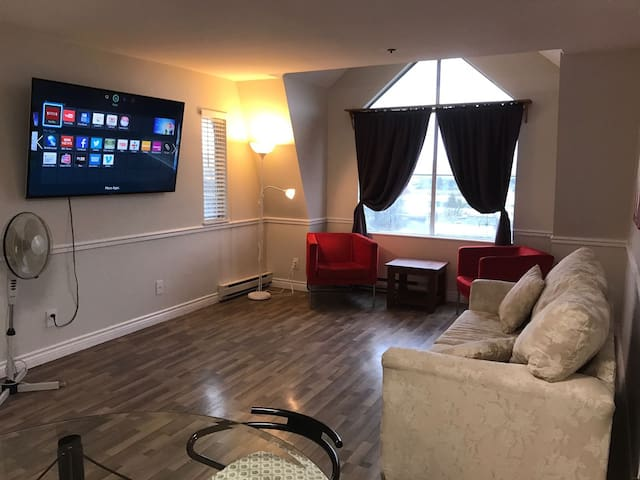 Beautiful and Modern 1 BR Condo - Coquitlam - Appartement