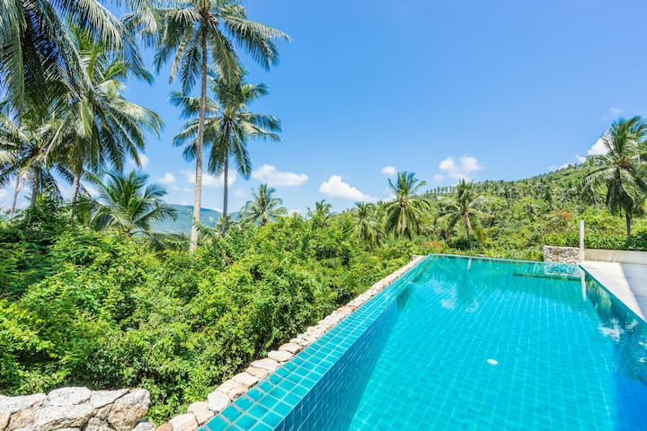 Stylish 4 BR Pool Villa - For Families and Groups!