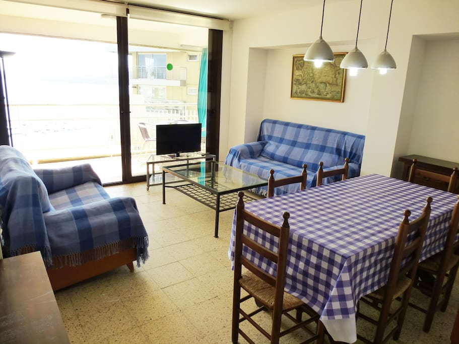 Sala de estar-comedor con acceso a la terraza