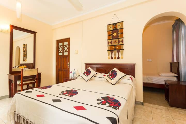 Double Room with Fan in Kandy