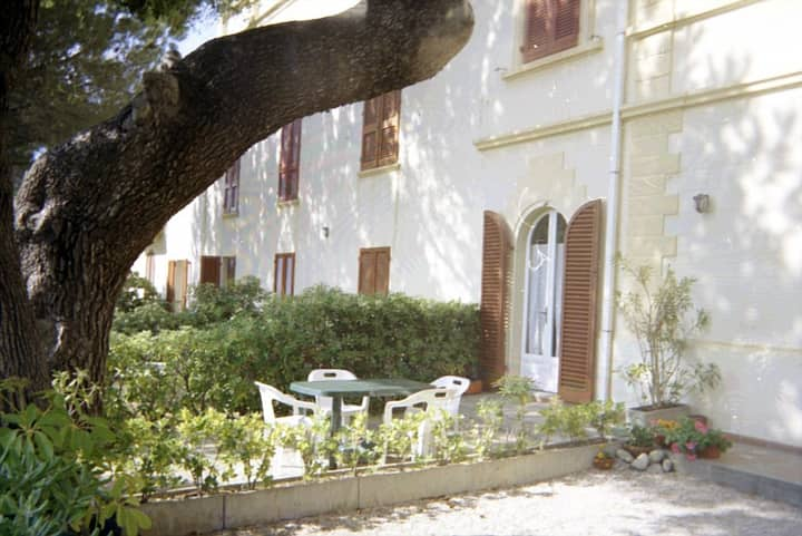 Apartment with garden in Quercianella
